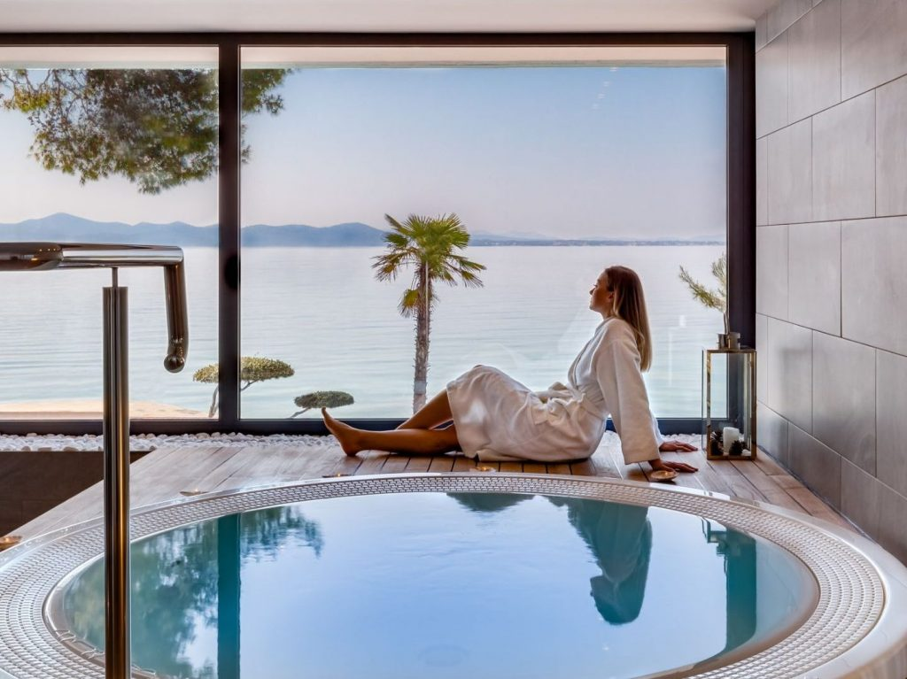 Relaxing in the spa zone with a sea view at the Hotel Pinija
