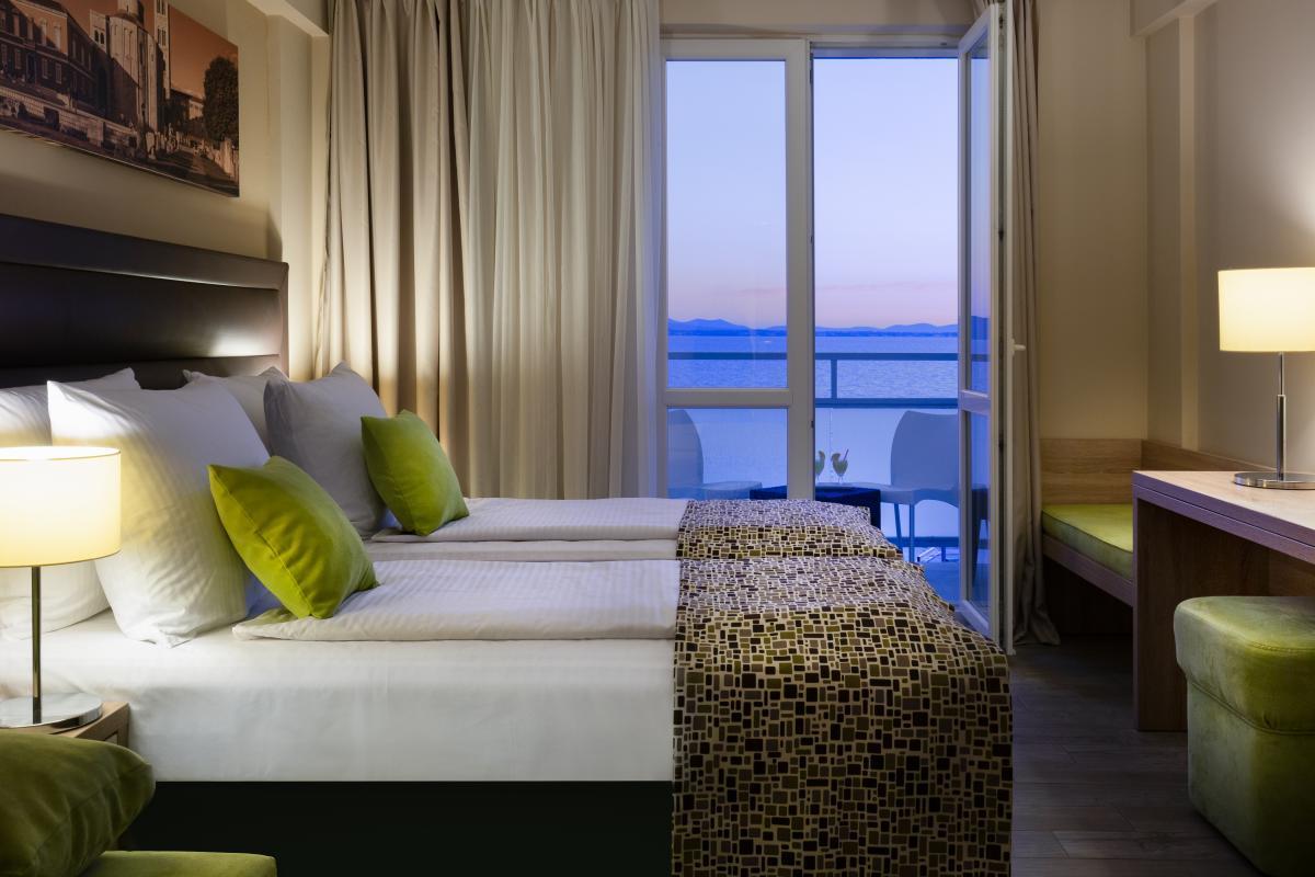 01 Hotel Pinija Accommodation